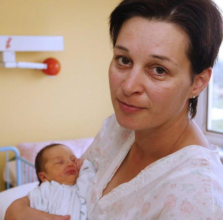 2. srpna v 15.38 se poprvé rozkřičela malá Raffalea Slaninková. Na svět ji v chomutovské porodnici přivedla maminka Marcela Kvašňáková. Dcerka vážila 2,8 kilogramu a měřila 49 centimetrů.
