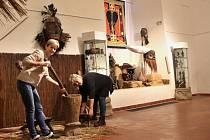 Vánoční výstava v chomutovském muzeu tentokrát překvapí exponáty z rovníkové Afriky