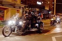 Spanilá jízda více než sto třiceti motorkářů projela v úterý v noci Chomutovem a Jirkovem. Nesla název Proti islamizaci našeho státu.