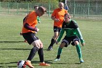 Baník Březenecká (v zelených dresech) Sokol Vilémov nijak nešetřil. Svou střeleckou potenci jeho hráči uspokojili až dosažením devíti gólů.