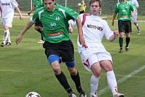 Fotbalisté FC Chomutov si na domácím trávníku poradili s Děčínem 2:0.