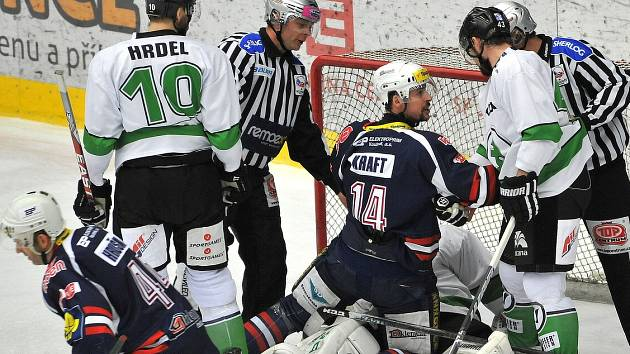 Ze zápasu Piráti Chomutov - BK Mladá Boleslav