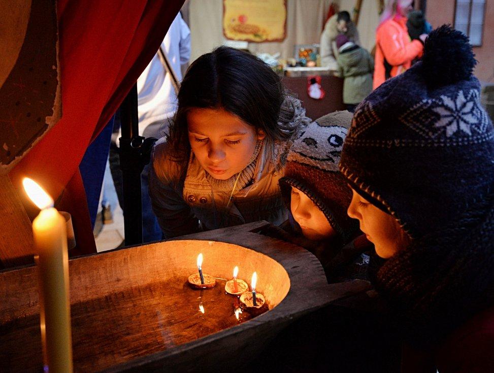 Adventní setkání a rozsvícení vánočního stromu v Klášterci nad Ohří