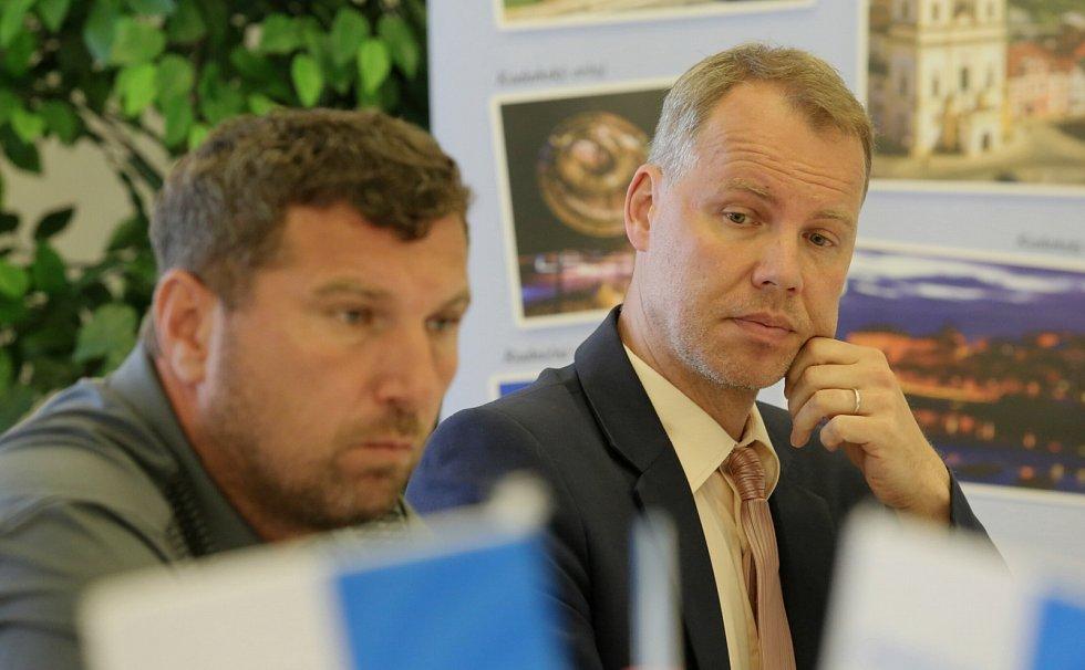 Radní Kadaně Michal Voltr a místostarosta Jan Losenický.