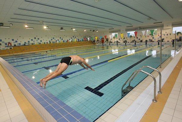 Bazén pro plavce.