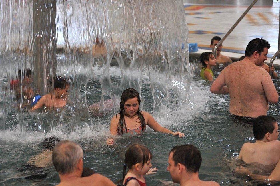 Lidé v chomutovském Aquasvětě, ilustrační foto.