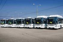MHD posílilo dalších šest ekologických autobusů na plyn.