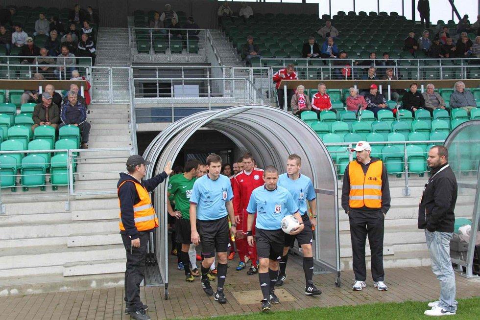 FC Chomutov – Slavia Louňovice 0 : 2 (0:2).