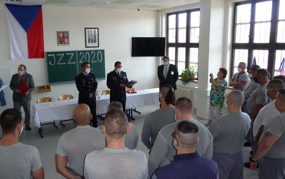 Slavnostní zakončení školního roku ve Věznici Všehrdy. Ilustrační foto
