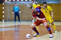Snímek z utkání české futsalové reprezentace proti Rumunsku v chomutovské hale