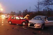 Nehodu u elektrárny Prunéřov zavinil řidič Golfu