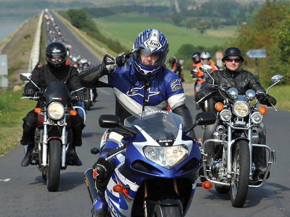 Droužkovičtí motorkáři pořádají 5. vyjížďku a benefiční akci ve prospěch tří nemocných dětí z Chomutovska
