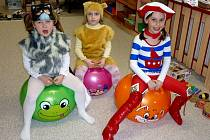 Děti v MŠ Nezabylice při karnevalu.