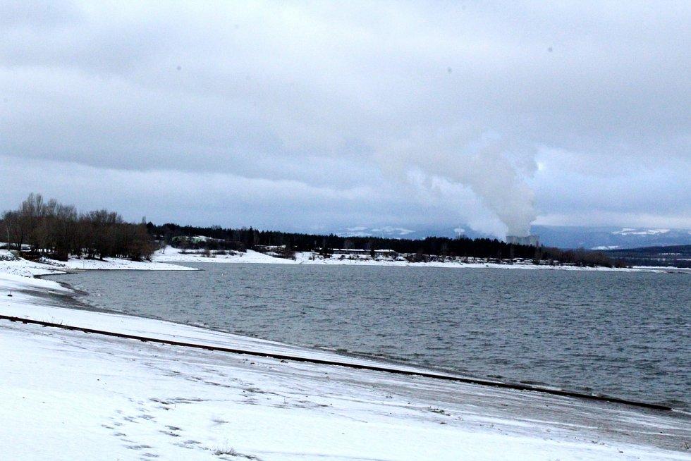 Zimní Nechranická přehrada.