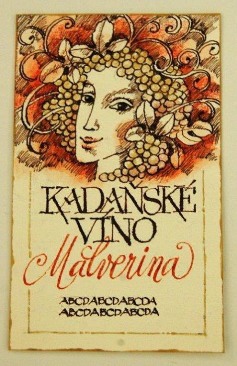 Vítězný návrh. Tváří červeného Kadaňského vína bude ovíněná bohyňka.