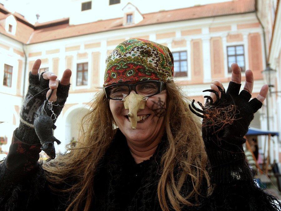 Čarodějnice byly také při otvírání kulturní sezóny na zámku Červený hrádek.