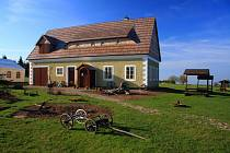 V nominaci je i Krušnohorský lidový dům v Lesné.