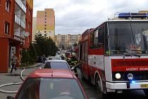 V Chomutově hořela v bytě na Březenecké kuchyňská linka.
