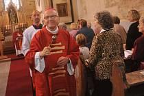 Biskup žehnal kostelu v Otvicích.