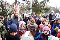 Žáci si v družině ZŠ na Kadaňské v Chomutově připomenuli lidový svátek.
