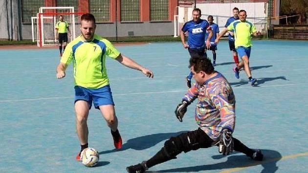 Třetí turnaj 3. letní futsalové ligy CHLMF přinesl kvalitní zápasy, ale také několik divokých výsledků.
