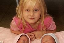 Dvojčátka Štěpánku Zumrovou a Kryštofa Zumra přivedla v chomutovské porodnici na svět 5. listopadu v 10.11 a 10.08 hodin maminka Darina Kubátová. Z malých sourozenců se nyní doma ve Střezově u Března raduje také Vendulka Zumrová. Štěpánka po porodu měřila