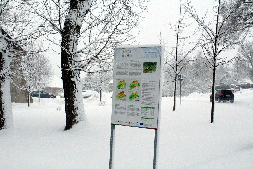 Výsluní bylo zasypané sněhem.