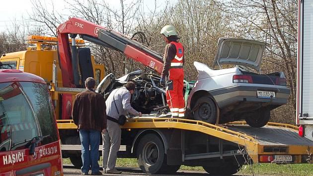 Auto skončilo sešrotované.