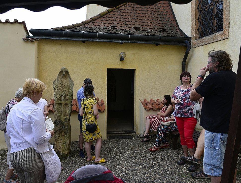 Akce Tři v jednom v areálu františkánského kláštera v Kadani