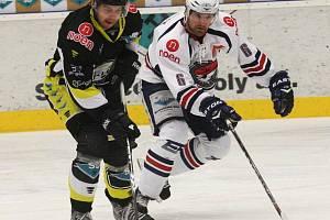 ČTVRTÝ DUEL. Hokejisty z Chomutovska čeká poslední vzájemné střetnutí.