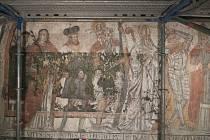 Obnovené malby v klášterním kostele. Jižní loď, střední pole, dolní část, stav po restaurování.