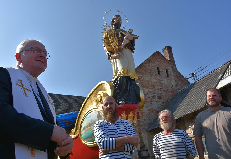 Bissona Praga bude reprezentovat naše hlavní město v Benátkách. Požehnal jí litoměřický biskup Jan Baxant.
