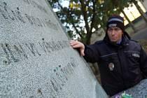 Zničené pomníky v Jirkově