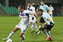 Milan Grubiša mohl před koncem rozhodnout o třech bodech. Za ním Jan Hyneš, kterého křeče donutily v 90. minutě vystřídat. Ladislav Chlíbek