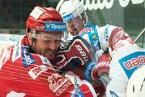 Ivan Huml podstoupil v utkání s Třincem velké množství soubojů.