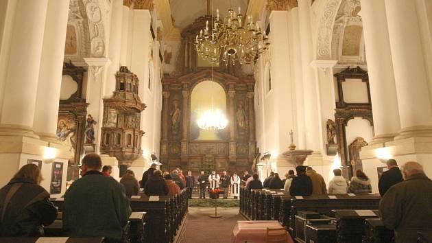 Kostel sv. Ignáce na náměstí v Chomutově.