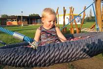 Děti v Březně můžou využívat i lanové atrakce.
