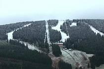 V pátek na Klínovci napadl první sníh.