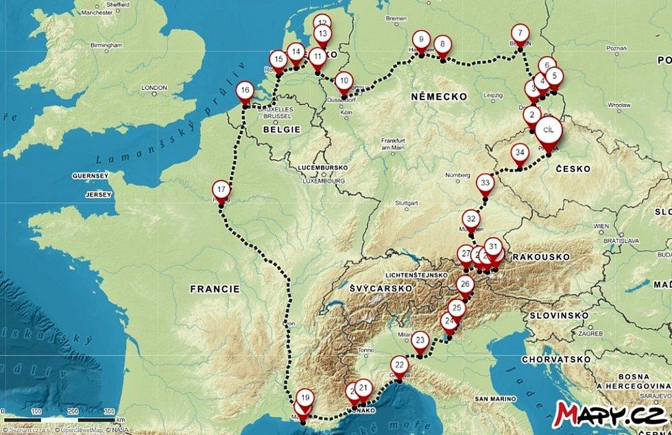 Chomutovští studenti na své dobrodružné cestě po Evropě urazili přibližně 4500 kilometrů.