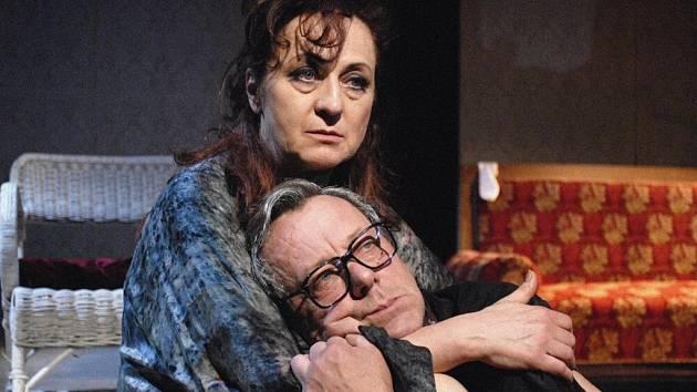 Simona Stašová a Oldřich Vízner jsou stálicemi české kulturní scény. I jejich herectví budou mít diváci v brzké době možnost shlédnout v chomutovském stánku divadelních múz.