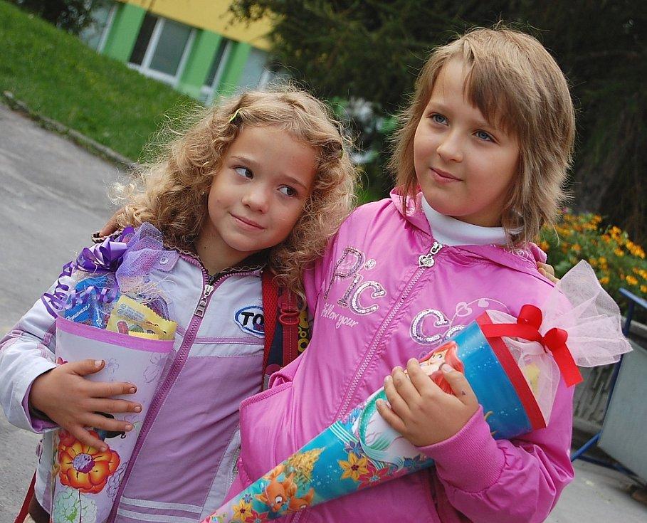 Eliška Tuháčková a Anička Pešornová, ZŠ Budovatelů, Jirkov.