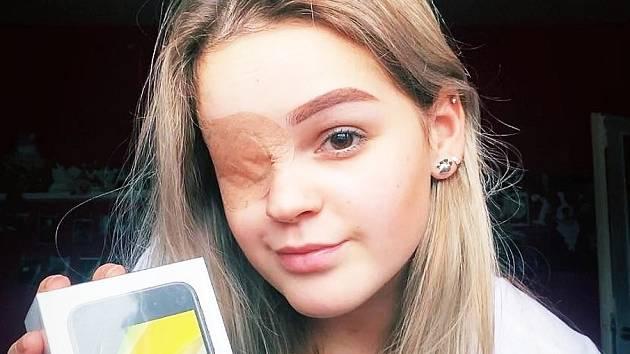 Ingrid Dvořáková z Kadaně uspěla mezi středoškoláky z celé republiky v soutěži, která prověřovala finanční gramotnost studentů. Jejich znalosti prověřila detektivní hra Tajuplná cesta.