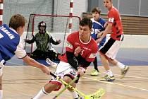 Mladí florbalisté FbC 98 Chomutov se vypravili už po sedmé za sebou do Švédska na mezinárodní turnaj AXA Floorball Cup 2015. Lépe se tu dařilo žákům, než dorostencům.