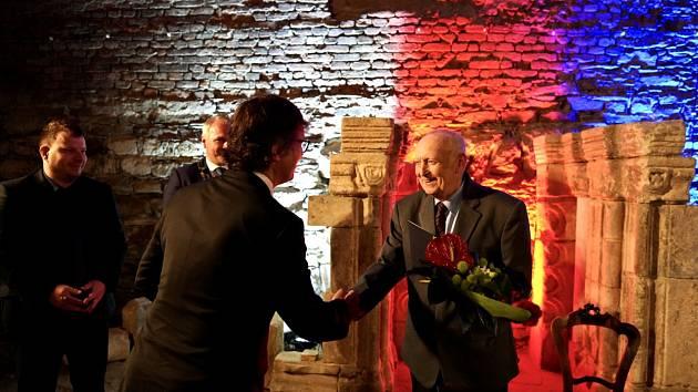 Město Chomutov ocenilo dvě významné osobnosti. Předávala se letošní Cenu Jiřího Popela z Lobkovic.