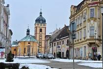 Centrum Jirkova s městskou věží