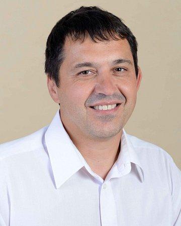 Radek Štejnar - ČSSD, 47let, starosta.