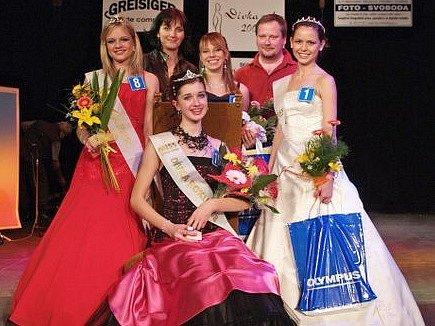 Klára Spurná z Jirkova vyhrála soutěž Dívka roku 2008, která se v sobotu konala v Městském divadle v Žatci.