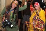 Ples Poháru Peruna ve stylu hippies.