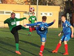 FC Chomutov - Juniorka Viktorie Plzeň 2:0.