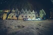 Chomutovské vánoční trhy se letos rozšířili i do dalších částí města. Už v neděli (17.12)  se v parčíku u radnice otevře Rybí trh.